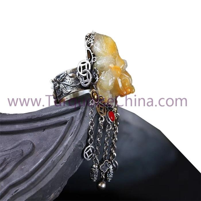 Propitious And Healing Pixiu Ring Maded By Natural Beeswax Amber