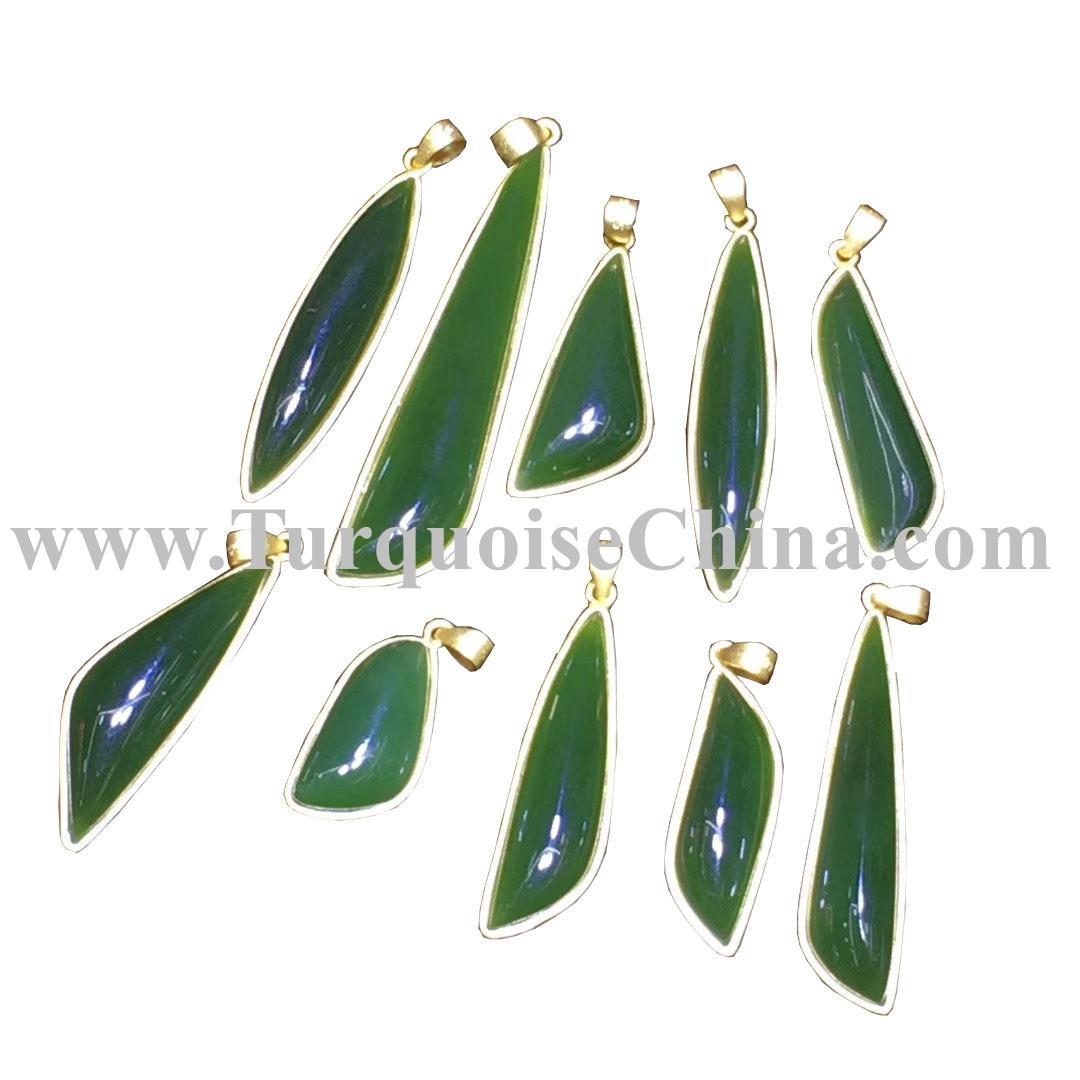 Yellow Gold Emerald Gemstone pendent