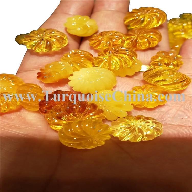 Precious Natural Plum Blossom Amber Beeswax Hand Carving Loose Gemstone